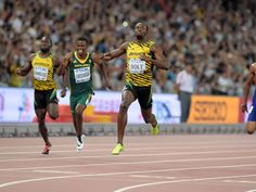 Usain Bolt wins the 200m in 19.55.  Kirby Lee, USA TODAY Sports