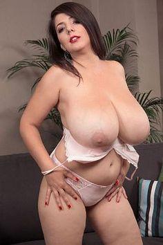 Plump naked women pics