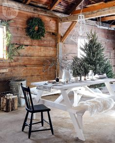 House tour: Rustic Nordic holiday style - Style At Home Nordic Home, Nordic Interior, Interior And Exterior, Design Interior, House And Home Magazine, Rustic Christmas, Magical Christmas, Christmas Music, Christmas Time