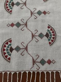 Cross Stitch Love, Cross Stitch Borders, Modern Cross Stitch, Cross Stitch Designs, Cross Stitch Patterns, Simple Hand Embroidery Patterns, Embroidery Neck Designs, Embroidery Flowers Pattern, Cross Stitch Embroidery