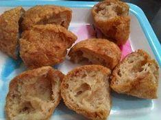 Cara Membuat Bakso Goreng Kopong (ditengahnya Kosong) Indonesian Desserts, Indonesian Cuisine, Asian Desserts, Indonesian Recipes, Cake Recipes, Snack Recipes, Cooking Recipes, Malay Food, Ramadan Recipes
