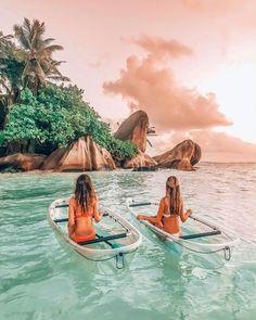 Pinterest • @yuvaldvir02 🧚🏻♀️ Beach Aesthetic, Travel Aesthetic, Summer Aesthetic, Shotting Photo, Beautiful Places To Travel, Amazing Places, Romantic Travel, Best Friend Pictures, Friend Pics