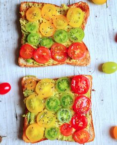 Homegrown tomatoes and chia seeds on toast?! This is what I need as an afternoon snack 😍 Photo credit to Blossombudandfruit