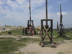 Provenza agosto 2013, catapulte medievali. Funzionanti...