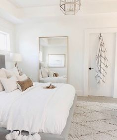 10 tips how to achieve a minimal scandinavian bedroom 34 10 tips how to achieve a minimal scandinavian bedroom 34 classic master bedroom interior design Home Decor Trends, Bedroom Decor, Trending Decor, Bedroom Interior, Simple Bedroom, Home Bedroom, Modern Bedroom, Home Decor, Luxurious Bedrooms