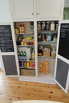 Menus & grocery list chalkboards...brilliant. I'm smitten.