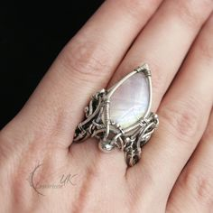 Golden Forest Ring by Bodza on DeviantArt Wire Jewelry Rings, Jewelry Art, Jewelery, Jewelry Design, Jewelry Ideas, Wire Rings Tutorial, Small Rings, Wire Wrapped Rings, Fantasy Jewelry