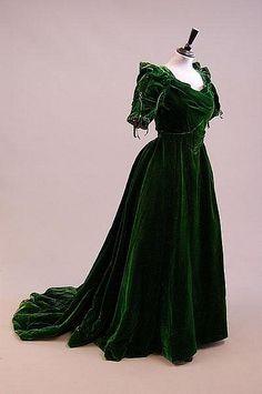 Gorgeous Edwardian emerald velvet gown.