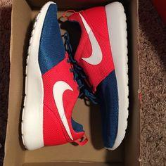 11ca31c24350 Nike roshe run Brand new. No trades Nike Shoes Athletic Shoes Nike Roshe Run