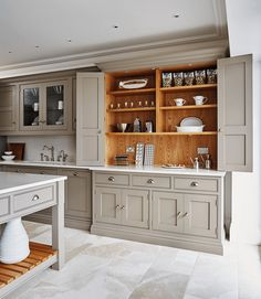 Unbelievable Small Kitchen Remodel Ranch Ideas - 10 Fortunate ideas: Kitchen Remodel Brown Back Splashes long kitchen remodel floors.Long Kitchen Re - Ikea Kitchen Remodel, Home Decor Kitchen, Interior Design Kitchen, Home Kitchens, Kitchen Ideas, Kitchen Remodeling, Kitchen Inspiration, Grey Kitchens, Remodeling Ideas