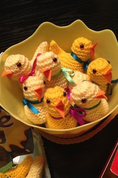 Knitted Chicks in an Easter bucket for #Cadbury #CremeEgg