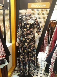 Gamis 049 Rp650 000.00 Material : Chiffon Size : Fit to L Qty : 3pcshttps://shocouse-identity.ecwid.com/#!/Gamis-049/p/100576073