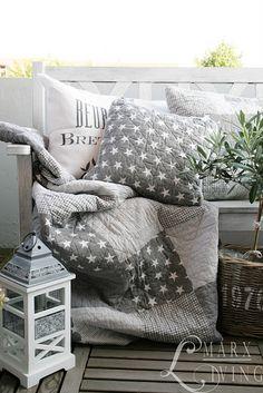 Grey & white stars - cushions - modern touch