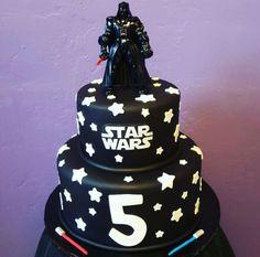 Darth Vader Star Wars Cake - Star Wars Cake - Ideas of Star Wars Cake - Darth Vader Star Wars Cake Star Wars Birthday Cake, Star Wars Party, 5th Birthday, Birthday Cakes, Birthday Ideas, Star Wars Cake Toppers, Anniversaire Star Wars, Rolling Fondant, Star Wars Gifts