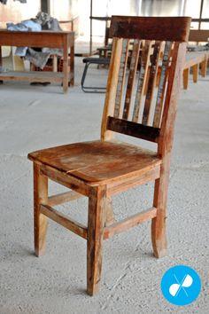 Cadeira rústica feita com madeira de demolição.  Visite nosso site: http://vrmarcenaria.com.br/