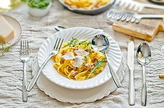 Tagiatelle z kurkami pomidorkami i tymiankiem #intermarche #fontignac #konkurs #tagiatelle #kurki Food, Atelier, Meal, Essen, Hoods, Meals, Eten