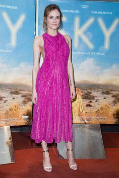 Diane Kruger, hermosa con este vestido rosa, aunque encuentro que esta demasiado delgada.