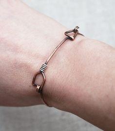 Pulsera de la flecha, oxidado de cobre, plata, joyería de alambre Más
