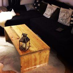 DIY Bauholz Couchtisch! Tisch wurde aus Bauholz gebaut und es wurde bewusst auf Schrauben verzichtet! #bauholz #diy #upcycling