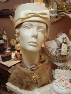 Vintage fashion ~ ooooooo the hat and stole Vintage Hats bf63a3ffe606