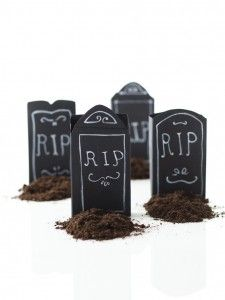Reuse cereal boxes to make tiny tombstones #recycling #kidsactivity #Halloween @KIWI Magazine