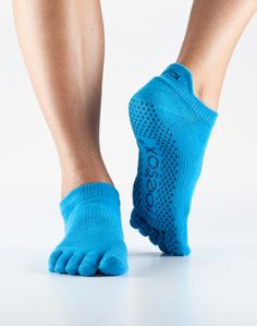 Giving Props: Beyond Bare Feet with toesox - A Product review and giveaway! http://behappygetfit.wordpress.com/2014/05/27/giving-props-beyond-bare-feet-with-toesox/