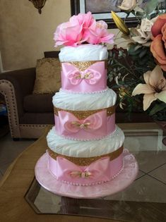 Elegant pink and gold diaper cake/Baby Girl Diaper cake/Vintage Chic diaper cake/Pink and gold baby dhower centerpiece/Gift Diaper Cake Basket, Diaper Cake Boy, Cake Baby, Nappy Cakes, Pamper Cake, Pamper Party, Baby Shower Crafts, Baby Shower Gifts For Boys, Baby Gifts
