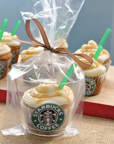Starbucks AND a cupcake? Salted Caramel Starbucks Cupcakes- so fun and very easy to make. Starbucks Cupcakes, Starbucks Drinks, Starbucks Coffee, Coffee Drinks, Cupcake Recipes, Cupcake Cakes, Dessert Recipes, Cupcake Ideas, Yummy Treats