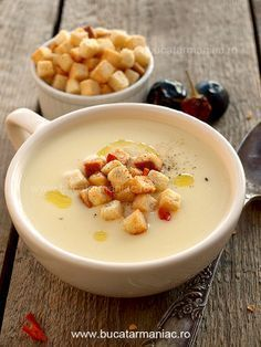 Ceamy potato soup g ml milk,salt to liters ml slice of bread) Creamy Potato Soup, Good Food, Yummy Food, Fall Dishes, Vegetable Soup Recipes, Soup And Sandwich, Food Humor, Soup And Salad, Soups And Stews