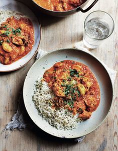 The paprika and tomato give this chicken curry a beautiful deep red colour, which looks spicy hot but it's not. @raincoastbooks @hardiegrant @thecurryguy #garlicandpaprikachicken #chickencurry #indianfood #curryrecipe Curry Shrimp, Chicken Curry, Coriander Cilantro, Saag, Indian Food Recipes, Ethnic Recipes, Chicken Tikka Masala, Half Baked Harvest, Marinated Chicken