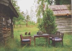 I love the idea of a table on the grass
