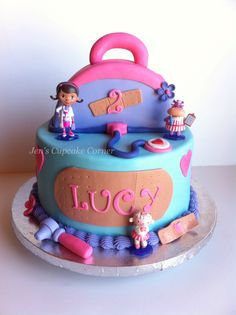 Doc McStuffins cake for Grace's birthday! Hopefully it turns out looking… Doc Mcstuffins Cake, Doc Mcstuffins Birthday Party, Character Cakes, Disney Cakes, Novelty Cakes, Oui Oui, Birthday Fun, Birthday Ideas, Cute Cakes