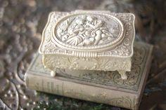 Ornate Plastic Ivory Jewellery Box Antique Beige Box Vintage