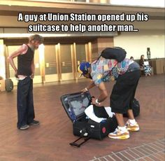 Watched this good man give his own clothes to someone who needed them (LA Union Station) - Cyndi Thomas - Neueste Trends We Are The World, Change The World, In This World, Union Station, Human Kindness, Touching Stories, Faith In Humanity Restored, Good Deeds, Good People