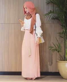 "dwi handayani syah putri on Instagram: ""While waiting.. Yesterday, i was attending hijab day with this pair of white + pink . Which is my cutie skirt from @aere @fashionvaletid #fvootd . """