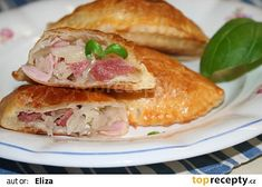Taštičky se zelím recept - TopRecepty.cz Sandwiches, Recipes, Food, Essen, Meals, Ripped Recipes, Paninis, Yemek, Eten