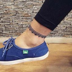 ankle band tattoo - ankle band tattoo Informations About ankle band tattoo ayak bandı bilek dövmesi Pin You can easily - Ankle Band Tattoo, Ankle Tattoo Small, Ankle Tattoo Designs, Henna Designs, Body Art Tattoos, Girl Tattoos, Tatoos, Wrap Around Ankle Tattoos, Anklet Tattoos For Women