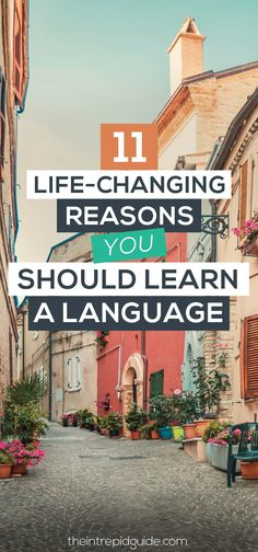 11 Life-changing Reasons Why You Should Learn a Language in 2018 There are many reasons why you should learn a language. From health benefits to improved memory and brainpower, make 2020 the year you learn a new language. Best Language Learning Apps, Learning Languages Tips, Learn A New Language, Learning Resources, Learn Languages, Learning Cards, Foreign Languages, Learn Portuguese, Learn German