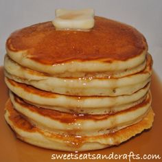 IHOP Pancake copycat recipe - Love this recipe, I make them often. You can buy IHOP Syrup at Walmart and it tastes just like IHOP pancakes. Breakfast Desayunos, Breakfast Dishes, Breakfast Recipes, National Pancake Day Ihop, I Hop Pancake Recipe, Ihop Pancake Recipe Copycat, Pancakes And Waffles, Buttermilk Pancakes, Fluffy Pancakes
