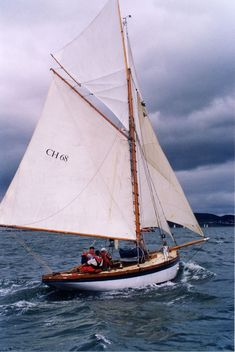 Boating – Enjoy the Great Outdoors! Classic Sailing, Classic Yachts, Sailing Dinghy, Sailing Ships, Yacht Builders, Small Sailboats, Boat Rental, Set Sail, Boat Tours