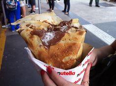 Crepe com Nutella, à venda na loja da avenida Paulista.  www.horadacomida.com.br