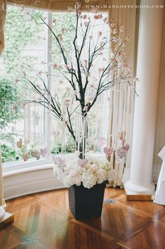 Love the idea of doing this with a real tree (in winter) you could plant in your garden after the wedding.
