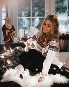 Trendy Outfits Ideas For Christmas Holiday - Holiday Outfits, Trendy Outfits, Winter Outfits, Cute Outfits, Rock Outfits, Party Outfits, Cozy Christmas Outfit, Christmas Sweaters, Christmas Outfit Women