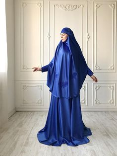 Elegant royal blue Muslim suit, Silk blue jilbab, wedding khimar, engagement islamic dress, nikah outfit, lace burqa Abaya Fashion, Skirt Fashion, Fashion Dresses, Islamic Fashion, Muslim Fashion, Muslimah Wedding Dress, Dress Wedding, Wedding Hijab, Arab Girls Hijab