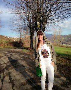#fashion #girl #style #panda #tshirt #trend #nature #tshirt #floral #graphic #tee #trend2014 #springfashion #outfit #fashionblogger #styleblogger #fashionblog #parka #white #pant #green  THE FASHIONAMY by Amanda Fashion blog outfit, made in italy, felpe tshirt street wear : Floral Panda graphic Tshirt by Teesh