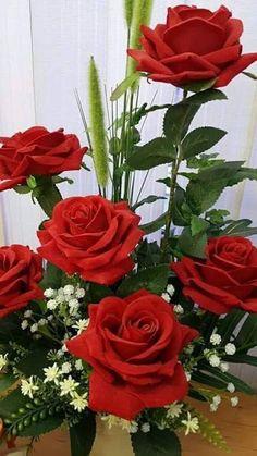 ❝ Que hoje seja um dia de muitas alegrias , sorrisos e carinhos. Que todo amor nos contagie.  Que toda paz nos habite. E que a nossa fé seja maior que todas as provações! ❞ (Liahna Mell)