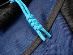 DIY paracord zipper pulls on the Brain Bag by TOM BIHN, via Flickr