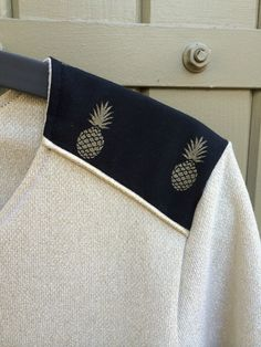 Blouse ananas - Inspiration Fashion Sewing, Diy Fashion, Womens Fashion, Diy Clothing, Sewing Clothes, Clothes Rail, Aime Comme Marie, Diy Vetement, Creation Couture