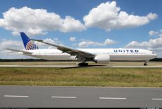 United Airlines Boeing 777-322/ER (registered N59034) taxiing at Frankfurt am Main, August 2017 (photo by JK Photography)