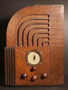 Zenith Radio 1935